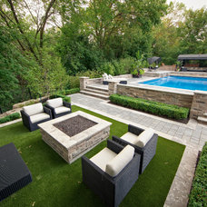 Contemporary Landscape by EasyTurf