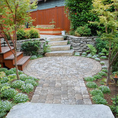 contemporary landscape by Avalon Northwest Landscape, LLC