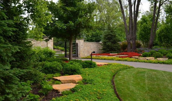 Traditional Landscape by Doering Landscape Company