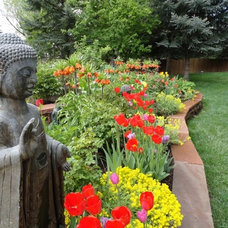 Traditional Landscape by B. Gardening Landscape Design