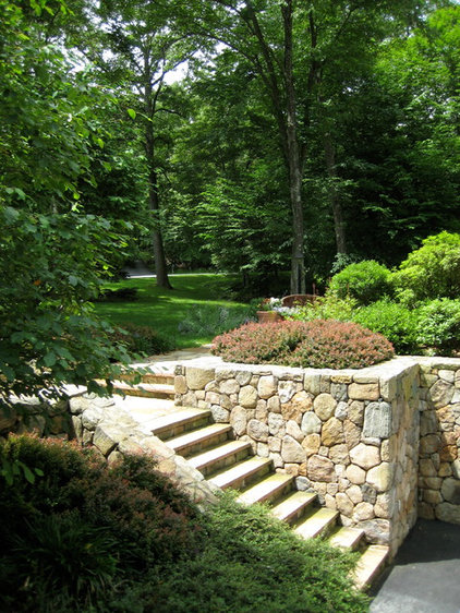 Traditional Landscape by Aaron G. Edwards Landscape Architect