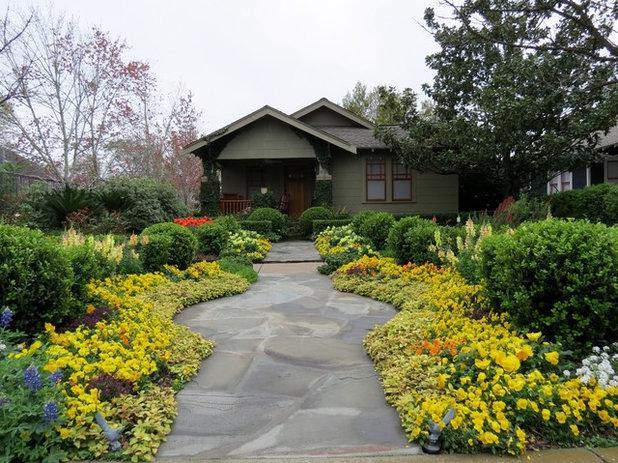 Craftsman Landscape by David Morello Garden Enterprises, Inc.
