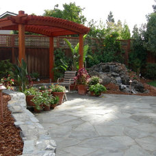 traditional landscape by Jpm Landscape
