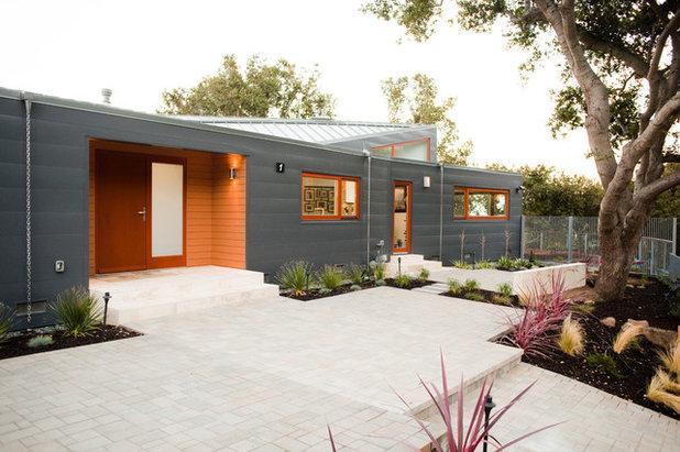 Contemporary Landscape by L&L Landscaping, Design - Build