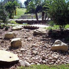 Traditional Landscape by AQUATIC DESIGN & DEVELOPMENT GROUP, LLC
