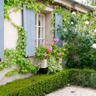 Photo of a french country landscaping in Orange County.