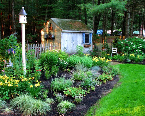 Inspiration For A Traditional Partial Sun Backyard Mulch Landscaping In  Boston For Summer.