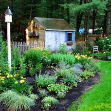 Traditional Landscape by Garden Tech Horticultural Services LLC