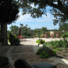 Mediterranean Landscape by Braswell Architecture, Inc.