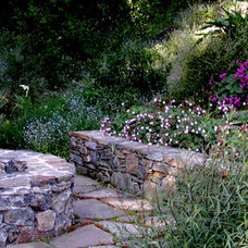 Traditional Landscape by Blasen Landscape Architecture