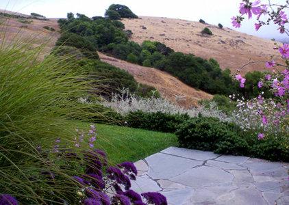 Traditional Landscape by Blasen Landscape Architecture