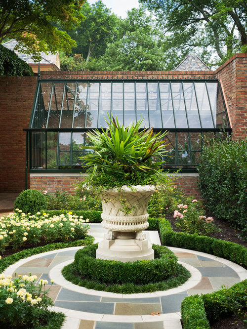 Round flower bed houzz for Traditional landscape
