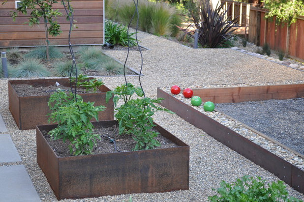 8 Materials For Raised Garden Beds