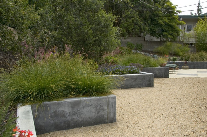 Poured Concrete Retaining Wall Forms : Out of the box retaining wall ideas