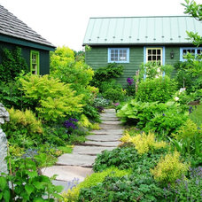 Farmhouse Landscape by Jerry Fritz Garden Design