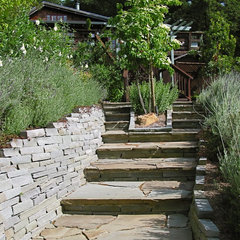 traditional landscape by Kathleen Shaeffer Design, Exterior Spaces