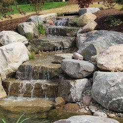 Grand rapids rustic landscape design ideas pictures for Landscaping rocks grand rapids