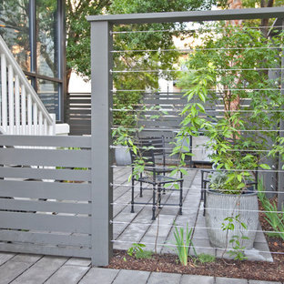 Inspiration for a small transitional side yard landscaping in Charleston.
