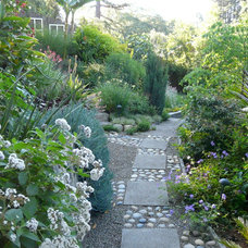 Craftsman Landscape by Barbara Huntingdon Landscape Design