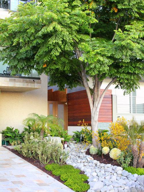 River Rock Design Ideas river rock driveway home design photos River Rock Mulch Home Design Photos