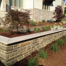Traditional Landscape by Outdoor Dreams