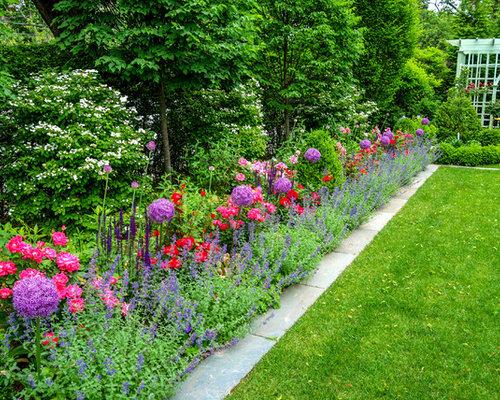 Medium sized full sun garden design ideas renovations for Garden design ideas for medium gardens