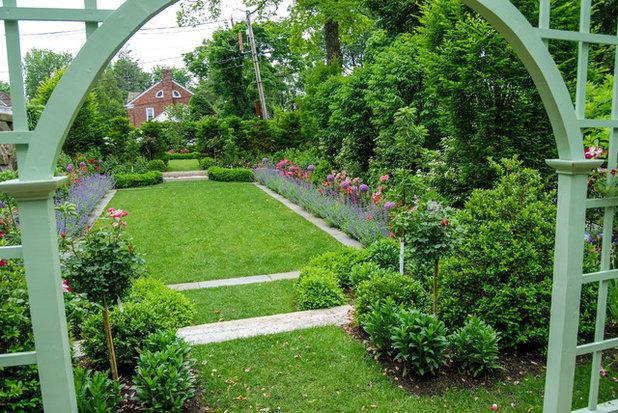 Классический Сад by a Blade of Grass