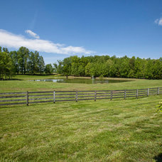 Farmhouse Landscape by Legacy Farms and Ranches of North Carolina