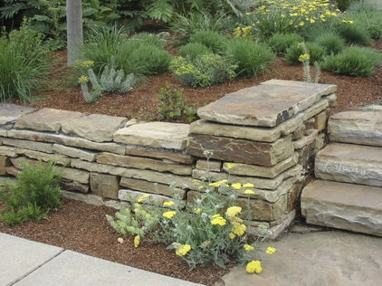 Pave Your Landscape With A Gainesville Flagstone Patio