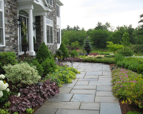 Walkway planting ideas pictures remodel and decor for Landscaping ideas for triangular area