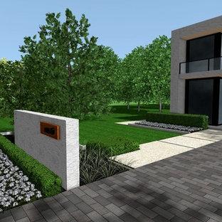 Modern Front Yards   Houzz