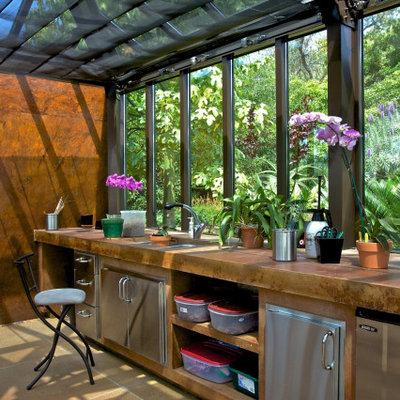 Design ideas for a contemporary landscaping in Sacramento.