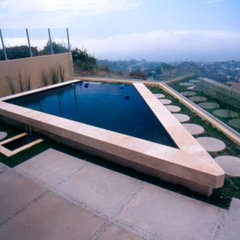 contemporary landscape by California Pools