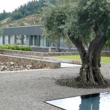 Contemporary Landscape by Jensen Architects