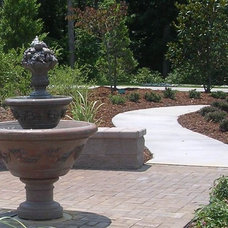 Traditional Landscape by EarthDesign Landscape Architecture LLC