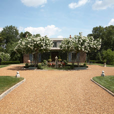 Traditional Landscape by Todd Richesin Interiors