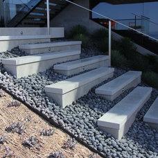 Modern Landscape by Horst Architects