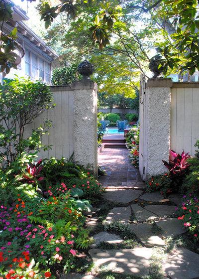 Traditional Garden by Gurley's Azalea Garden