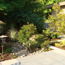 Modern Landscape by Brooks Kolb LLC Landscape Architecture