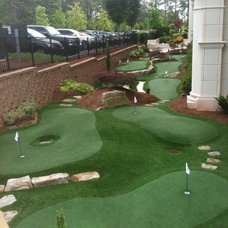 Traditional Landscape by Southwest Greens Atlanta