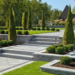 Design ideas for a huge traditional backyard formal garden in Philadelphia.