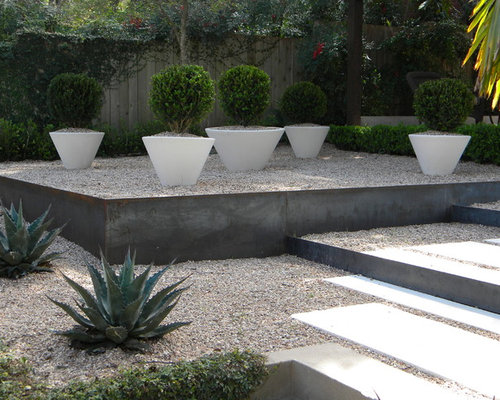 Garden edging ideas houzz for Landscaping rocks austin