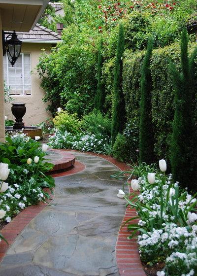 Классический Сад by Verdance Landscape Design