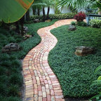 Country House Traditional Landscape Columbus By Mccullough S Landscape Amp Nursery