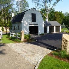 Farmhouse Landscape by Sean Papich Landscape Architecture