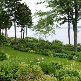 Immagine di un giardino stile marinaro dietro casa