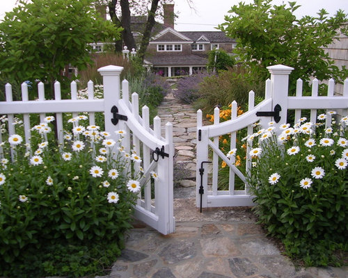 White picket fence houzz for Beach house designs florist