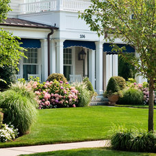 Beach Style Landscape by Sudbury Design Group