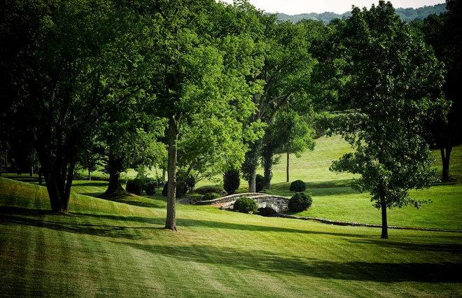 Traditional Landscape by PAGE | DUKE Landscape Architects