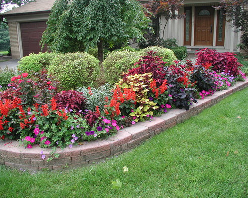 Traditional grand rapids landscape ideas designs for Landscaping rocks grand rapids mi